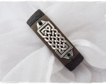 Men's Leather Bracelet, Viking Wristband, Celtic Leather Bracelet, Pagan Celtic Bracelet, Nordic Norse Bracelet, Wiccan Knotwork Bracelet