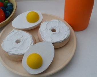 Pretend Bagels Organic Breakfast Play Food Bagel and Schmear (2 Bagel halves w/Cream Cheese Only)