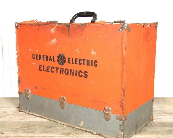 Vintage General Electric Radio Tube Box Electronic Decor