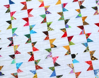 "Modern Quilt, Bunting Quilt, Twin Quilt, Wedding Quilt, 61"" x 77"" Quiltsy"