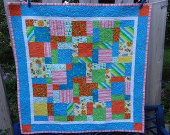 Baby Quilt, Modern Baby Quilt, Tossed Blocks Baby Quilt 0125-07
