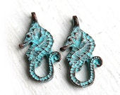 SALE Seahorse charm, green patina on copper, Greek beads, pendant, nautical - 24mm - 2Pc - F003