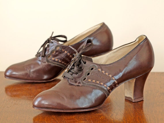 1940s Shoes Deadstock / 40s Brown Leather Oxfords // The Charlee Brown Heels