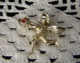 Vintage Cupid with Heart brooch gold tone