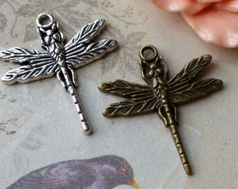 29 x 31 mm Dragonfly Charm Pendant of assorted color (.gm)