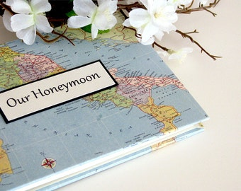"Italy Honeymoon Journal / Photo Album with Custom Map, 5""x7"""