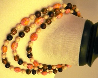vintage jewels ...  FAB Retro Multi trade Sead BEADS classic NECKLACE vintage antique plastic celluloid bakelite    ...
