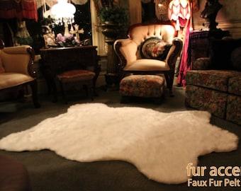 Polar Bear Skin Accent Rug / Faux Fur Toss Rug / Fake Pelt / 5'x7' / Off White / New