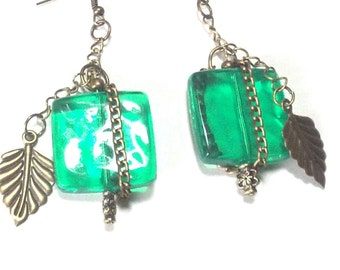 Chunky  Kelly /Emerald Green and Brass Leaf Dangle Earrings, Bold Holiday Earrings, Chunky Bead Earrings, FALL Jewelry Sale