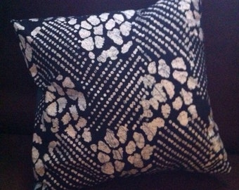 PILLOW COVER Blue and white resist fabric and green