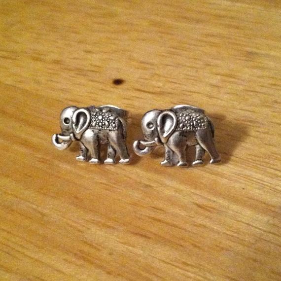 silver elephant earrings elephant stud earrings