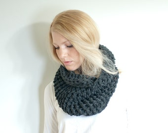 The BARNWELL cowl - Chunky Cowl Neckwarmer Scarf - Charcoal - Wool Blend