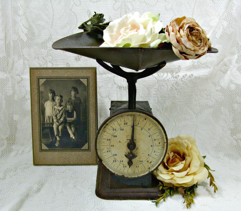 Rustic antique scale industrial decor kitchen scale for Rustic kitchen scale