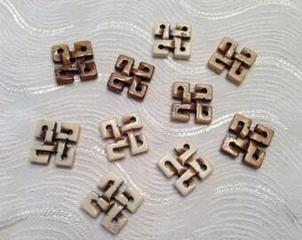 10 Celtic Knots Made of Bone
