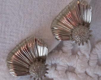 Silver Flower Petal Clip On Earrings Vintage Silver Tone Silvertone 1950s or 60s