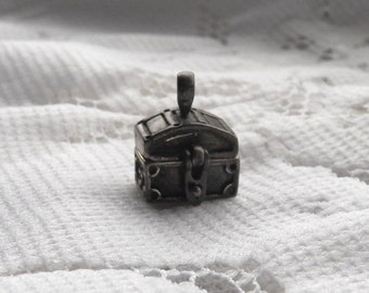 Sterling Pirates Treasure Chest Charm