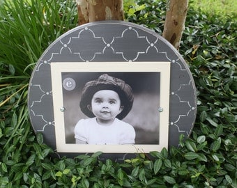 Distressed Picture Frame, Round 8x10 Frame, Trellis Picture Frame, 8x10 Picture Frame, Round Picture Frame, Graduation Gift, Father's Day