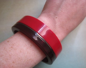 Vintage 80s Bracelet Bangle Red Maroon Lucite Color Block Modern Costume Chunky Retro