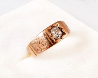 Stunning Victorian 15k Engraved Gold & Diamond Wedding Ring