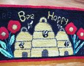 BEE Happy hooked rug