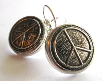 PEACE SIGN vintage button earrings. Waterbury buttons, silver leverbacks