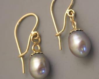 14k yellow gold drop earrings with beautiful grey pearls