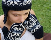 Hand Knit White and Dark Blue Mittens/ Knitted gloves/ SandraStJu Design/ Norwegian Pattern/ Wool/ Handmade