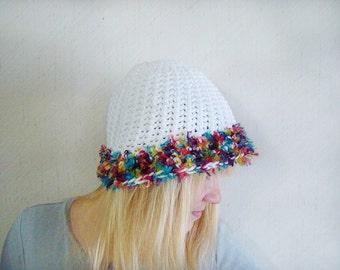 White Beanie Multicolor Fun Fur Trim Hat, White Tam, Crochet Beanie, Fur Trim Hat, Fall Fashion Hat, White Autumn Beanie, Cloche Crochet Hat