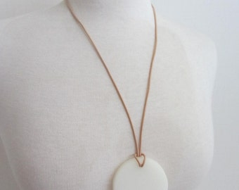 Parlour Resin Design Circle Necklace White Natural Leather
