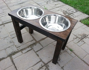 raised pet feeder / dog feeding station (medium) elevated food bowls