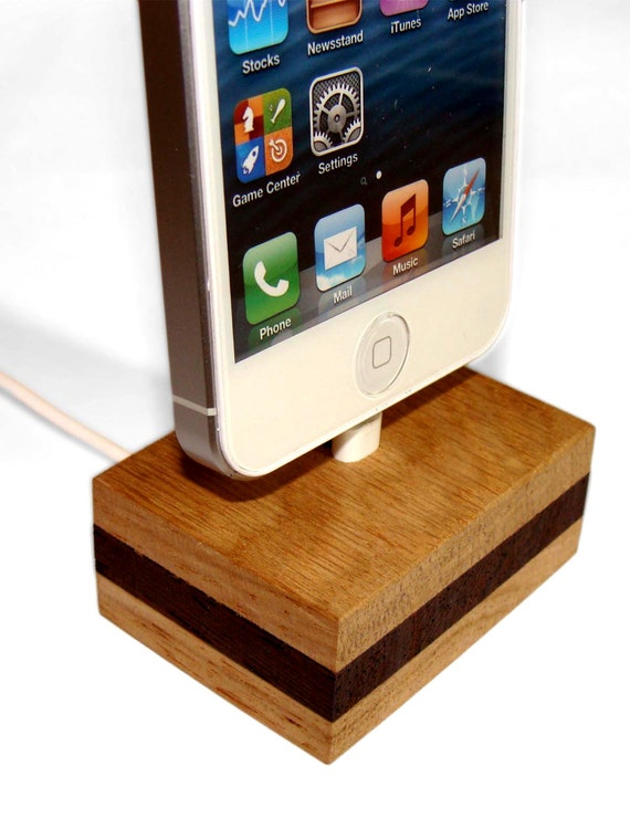 iphone 5 5s 5c dock stand docking station doggy by eplmonkey. Black Bedroom Furniture Sets. Home Design Ideas