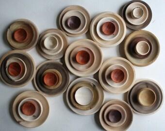 8 wooden bowls