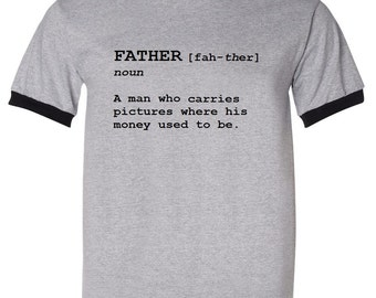 A Dad Carries Pictures Where His Money Used To Be Father Definition Mens Ringer T Shirt Fathers Day Gift - Gray / Black