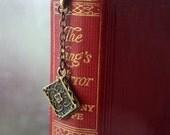 Book bookmark - bronze - metal - unisex gift - literary, novel, books, reading, writing, writer, reader, literature - Petal Gifts