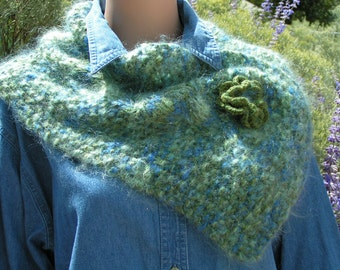 Cowl Mohair/Alpaca - Knit Cable/Seed stitches rose closure