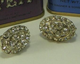 Beautiful Vintage Screw On Clear Stone Earrings