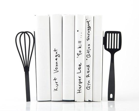 serre livres spatule et fouet livraison par designatelierarticle. Black Bedroom Furniture Sets. Home Design Ideas