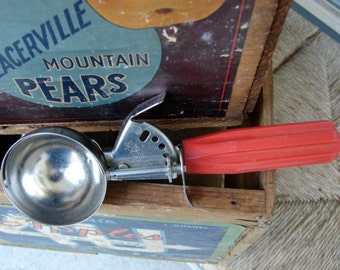 Vintage EKCO Miracle Ice Cream Scoop with Red Handle USA made Stainless steel