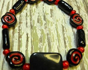 Bracelet red & black Cardinal colors stretch bracelet vintage beads and stone Czech glass