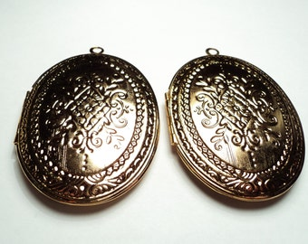 2 - Vintage large antique gold plated 57x45mm oval Lockets - m273