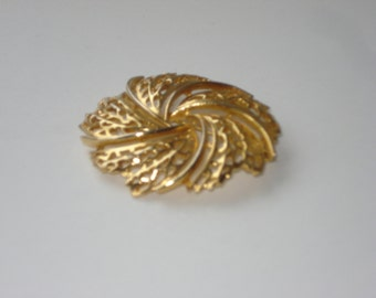 Vintage Gold Tone Brooch Pin - Large Filigree Round Swirl Costume Jewelry Brooch 1960s