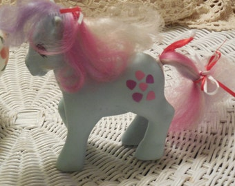 My Little Pony with Hearts and Purple ,Pink and White Hair 1985, My Little Pony, Pony, Vintage Toys, Toys, Horse, Hasbo Toy  :)S