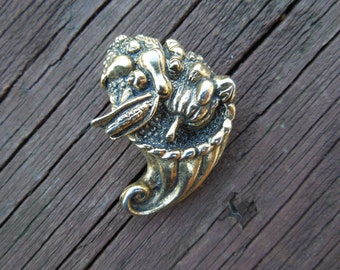 Vintage Camco Pin.  Vegetable Basket, Brass Toned.