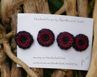 Crochet buttons / embellishments (4), in dusky plum and magenta
