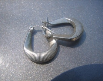 Vintage Mexican Silver Hoop Earrings 651.