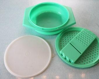 Vintage Tupperware Jadite Green Grater Bowl 3 Piece Set