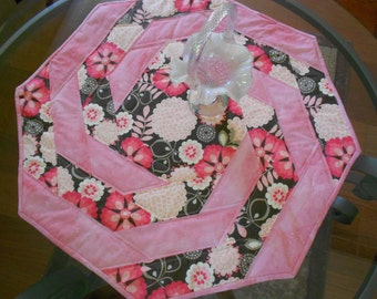 Table Topper/ Quilted Table Topper/ Pink Quilt/ Pinks And Browns Table Quilt/ Spring Decor/ Summer Decor