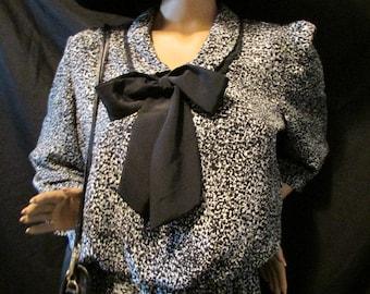 FINAL Reduction silky 1980's DIANE Von FURSTENBERG Dress black & white Size X L theater costume