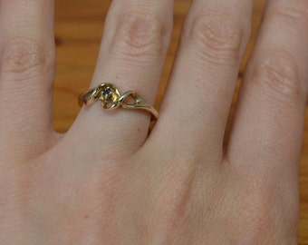 Raw Uncut Sapphire Vintage Engagement Ring // Yellow Gold Gemstone Ring // 1970s Sculpture Setting // Alternative Engagement Ring