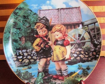 "1990 M i Hummel ""Hello Down There""  circa 1990 Danbury Mint"